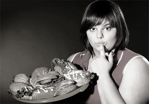Девушка любит поесть