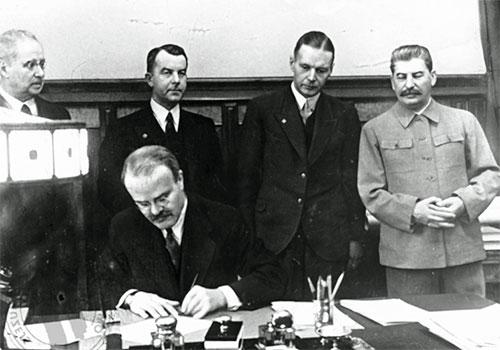 Подписание соглашения о ненападении
