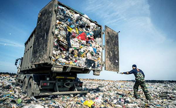 Российская свалка - уборка мусора