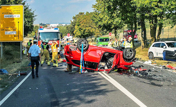 Авария - машина перевернулась