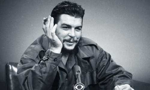 Эрнесто выступает на радио