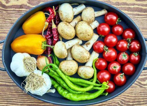 Сырые полезные овощи