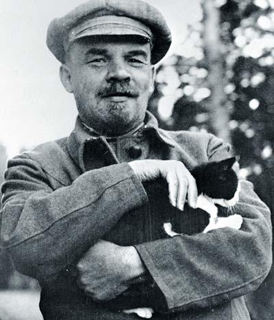 Ульянов с кошкой