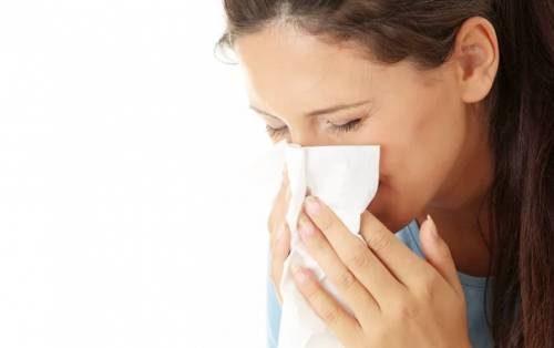 Насморк   не чувствует запахи