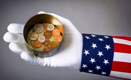Америка просит в долг