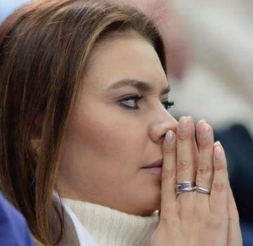 алина кабаева и кольцо на пальце