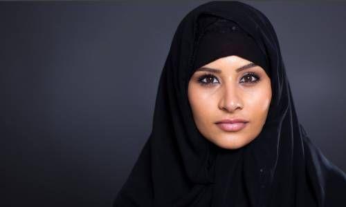хиджаб черного цвета